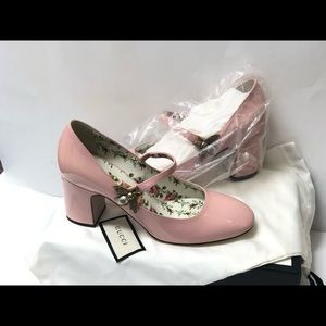 Gucci Lois Bee Mary Jane Pump in pink